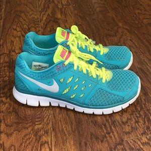 Women's Nike Flex 2013 Run Sz 8.5